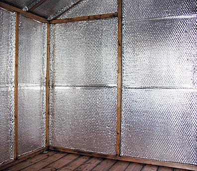 Теплоизоляция стены при помощи фольгированного утеплителя