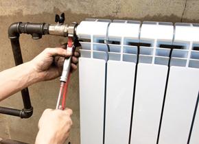 Демонтаж алюминиевого радиатора отопления