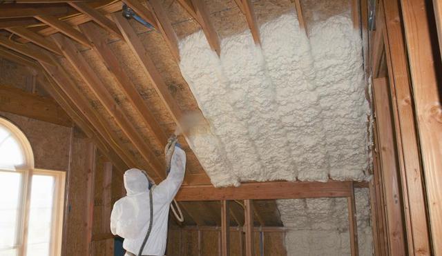 Утепление крыши с помощью пенополиуретана